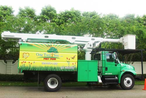 One Two Tree bucket Truck
