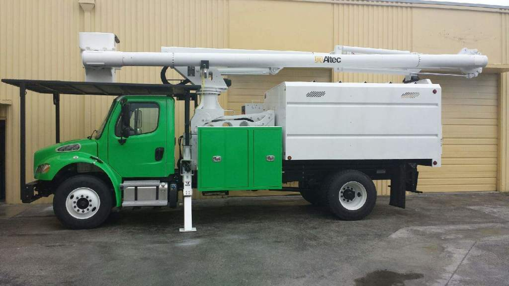 brand new Onetwotree altec truck