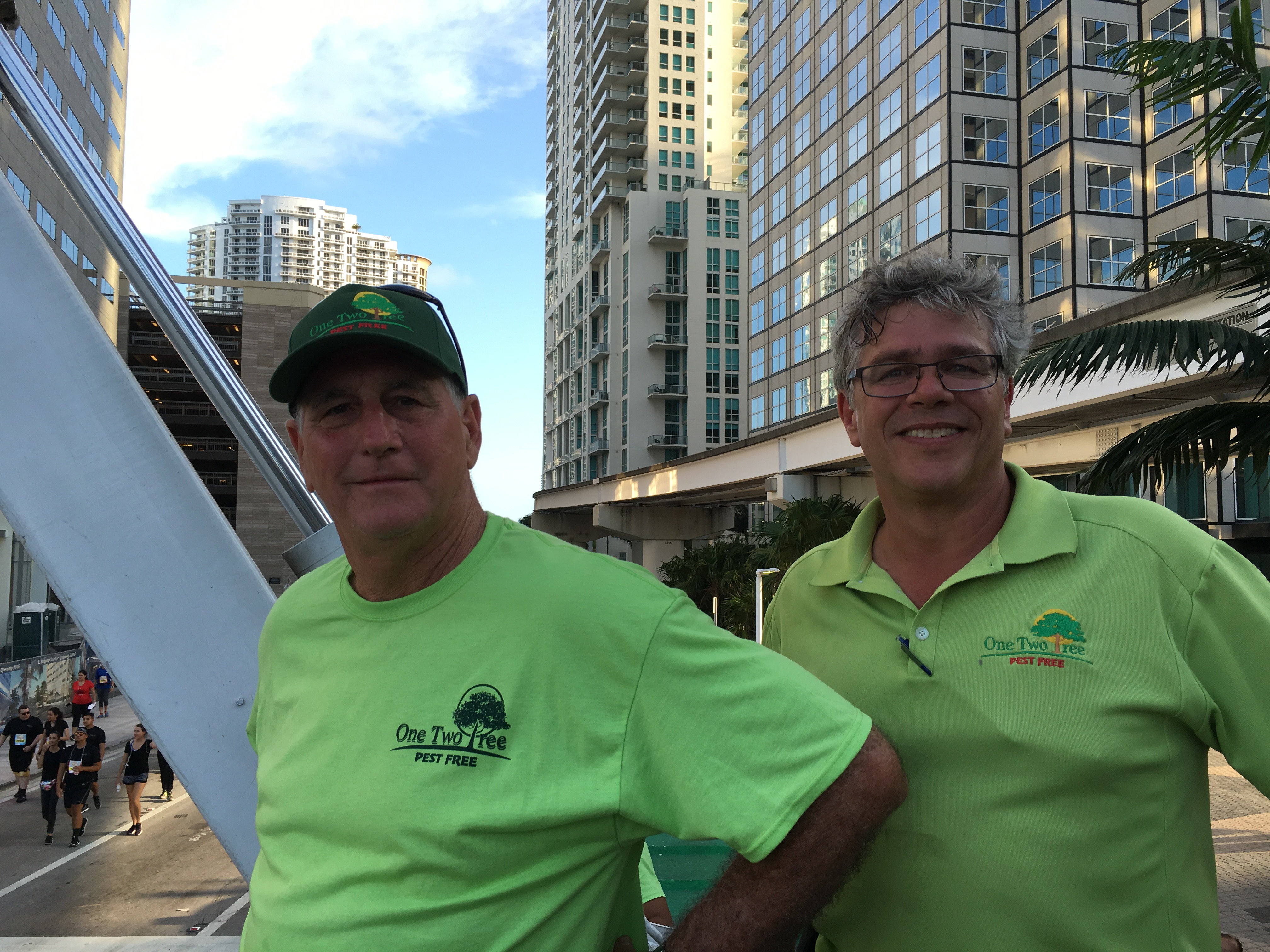 Mercedes Benz Corporate Run:One Two Tree's in Downtown Miami