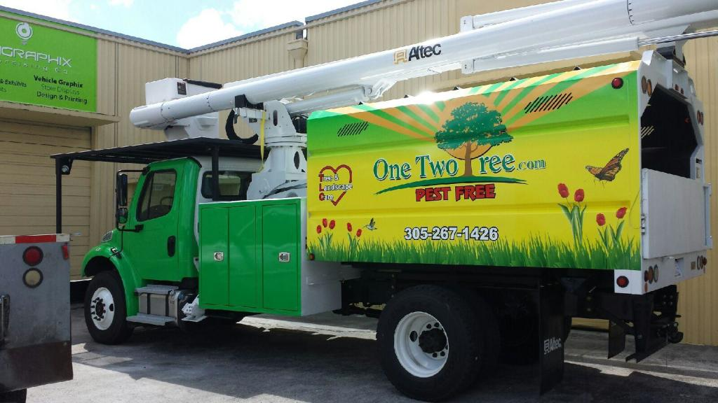 One Two Tree handles most any common tree problem in South Florida.